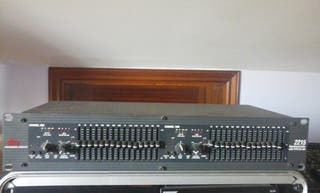 Equalizer Limiter dbx 2215 with type III nr