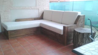 Sofá chaise longue de madera