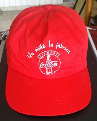 """Gorra de Coca-cola """"Yo visité la fábrica""""."""