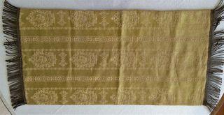 Antiguo tapete seda brocada y flecos