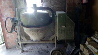 Hormigonera 200 litros