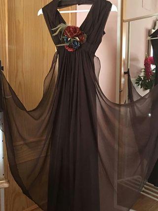 Precioso vestido de fiesta marrón chocolate