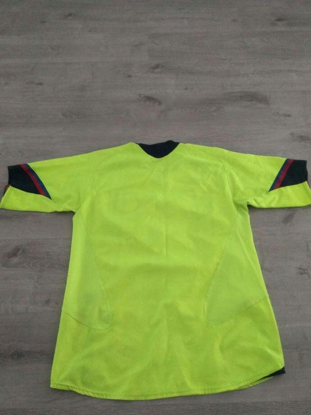 d13e993c1 Camiseta Barsa amarilla fosforita de segunda mano por 50 € en Madrid ...