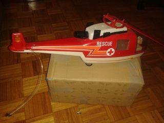 Helicóptero de rico para restaurar