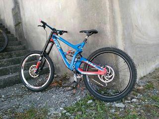 bici descenso dh