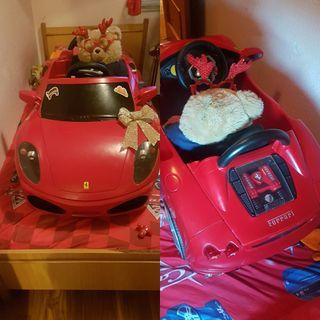 Auto para niños Ferrari en muy buen estado