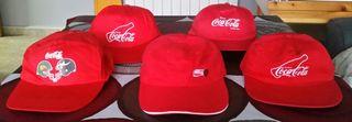 Lote de 5 gorras de diferenres de Coca-cola.