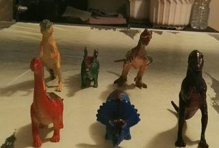 Lote 6 dinosaurios plástico colores juguetes