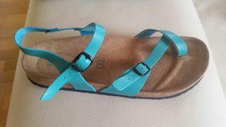 Sandalias,zapatillas de piel. NUEVAS