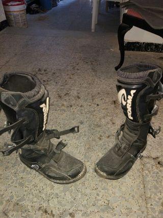 botas moto y qued 43 usada 2 veces