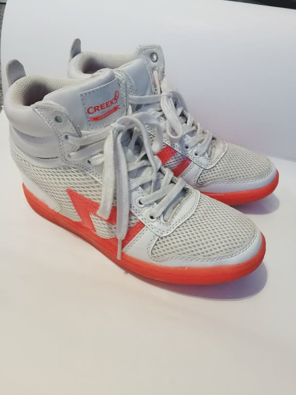 Chaussure basket montante