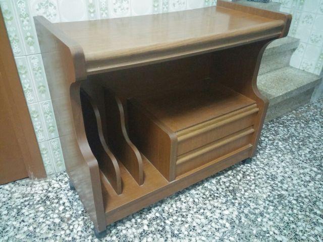 Mesa/mueble TV vintage