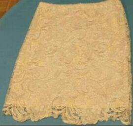 Falda de encaje talla M