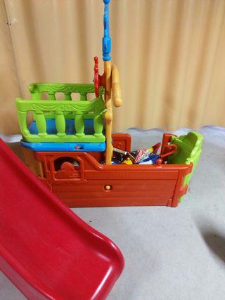 Tobogán barco