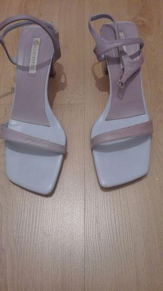 zapatos en lila