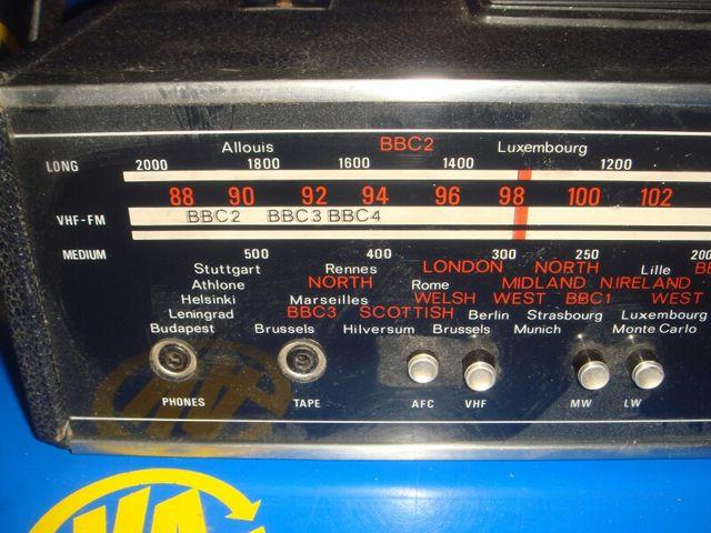 Radio vintage DIPLOMAT buen estado