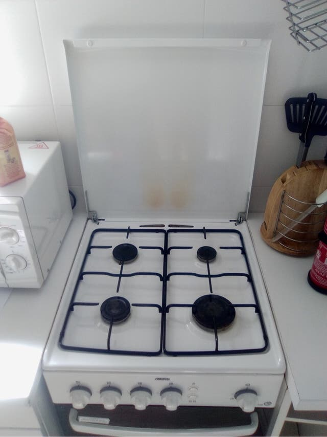 Cocina y horno gas natural de segunda mano por 220 en for Cocina gas natural con horno