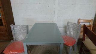 Conjunto de mesa cristal y 4 sillas de cocina