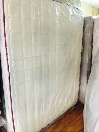 Colchon de visco latex 150x190 6 meses de uso.