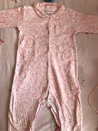 Pijama Neck and Neck