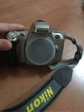 Cámara de fotos NIKON F55