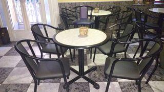 mesas y sillas de bar