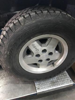 """llantas Jeep Wrangler 15 """""""