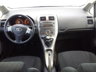 Toyota Auris 1.4 DID 5P