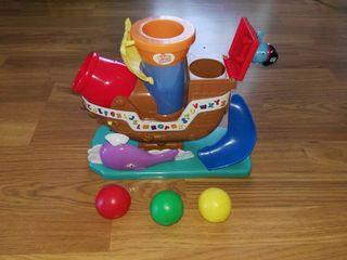 Juguete Barco Pirata con 3 pelotas para niños