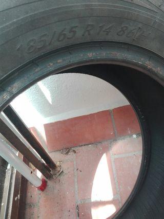 2 Neumáticos coche