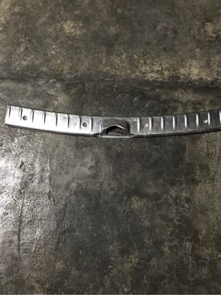 Moldura maletero de aluminio