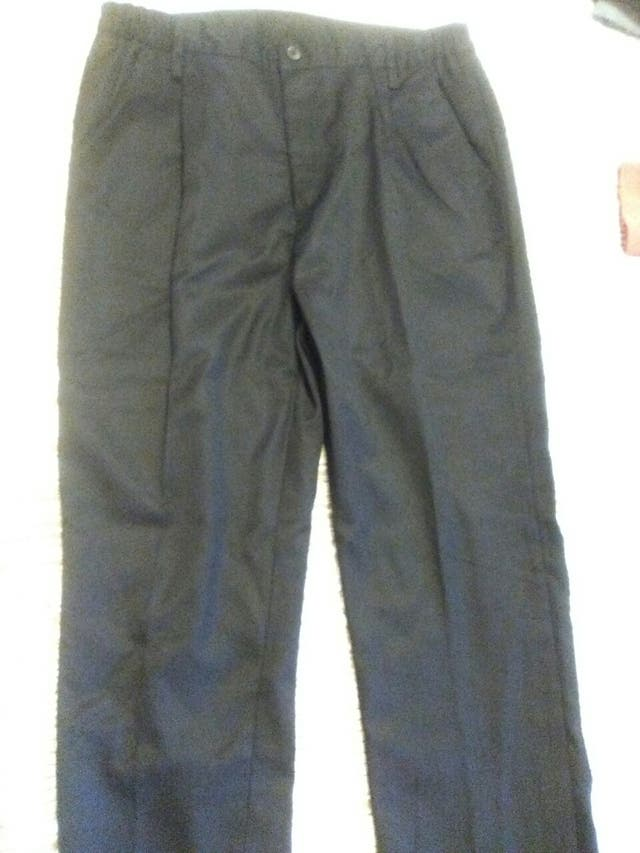 776265f24f Ropa uniformes de segunda mano por 10 € en Segur de Calafell en WALLAPOP