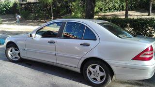 vendo un Mercedes-Benz Clase C 2004