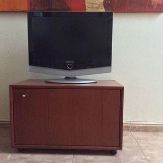 Mueble auxiliar TV con puerta