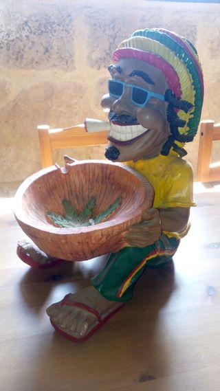 figura grande rastafari