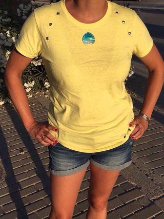Camiseta amarilla abalorio