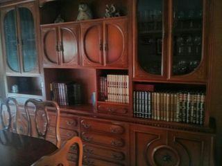 Mueble y mesa de comedor