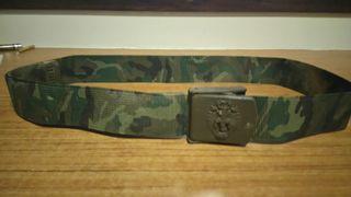 Ceñidor y cinturon militares.