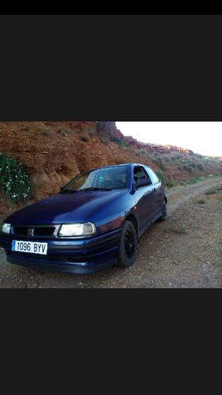 SEAT Ibiza 1996 1.400 70cv 149.000 km gasolina