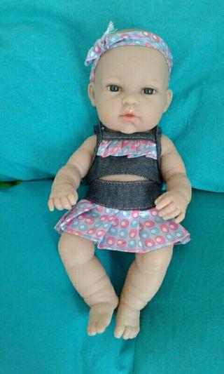 muñeca marca Arias
