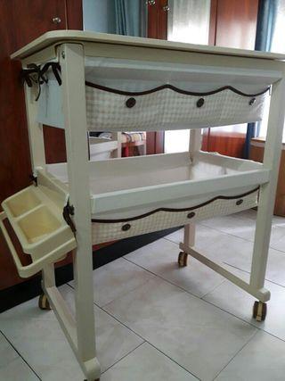 cambiador madera con bañera