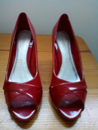 Zapatos talla 40. Seminuevos