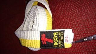 Cinturón judo o karate blanco amarillo