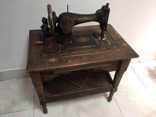 Antigua Singer maquina d coser