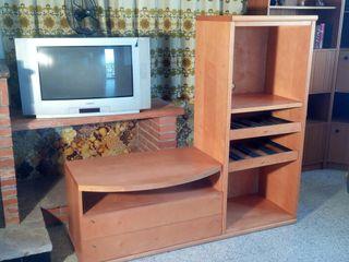 Conjunto 2 muebles tv equipo de m sica de segunda mano por 45 en lli a d 39 amunt en wallapop - Muebles para equipos de musica ikea ...