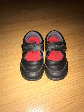 Niña Zapato De 10 En Colegial Por € Segunda Salamanca Titanitos Mano tr5rPwq 6d6f2e8c977