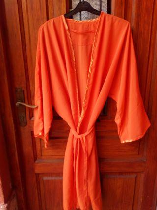 Batas de peluqueria,nuevas tipo kimono de raso .