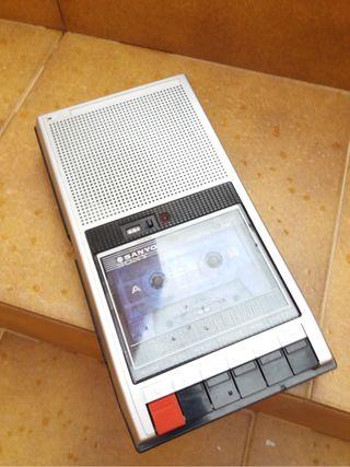 Grabadora cassette Sanyo