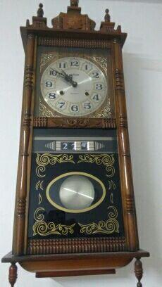 Reloj pared cuerda.