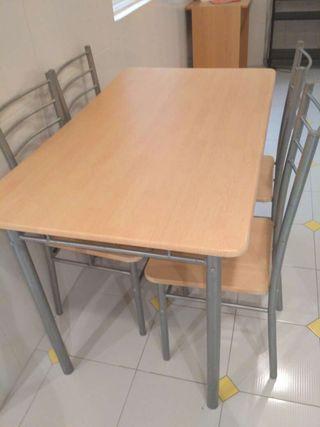Mesa y sillas cocina de segunda mano por 40 en carballo for Wallapop mesas